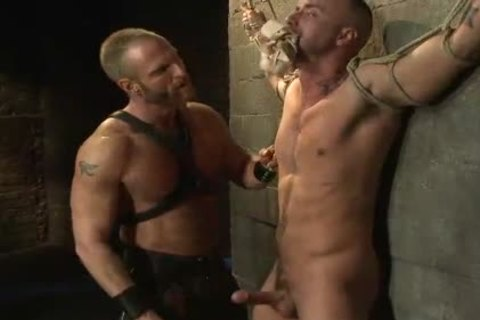 gigantic 10-Pounder homo fastened To The Wall acquires Cbt
