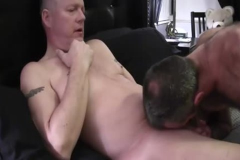 Hard Bear bows Over His lusty daddy Boyfriend To plough