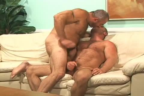 brunette Muscled lad acquires poked In His wazoo