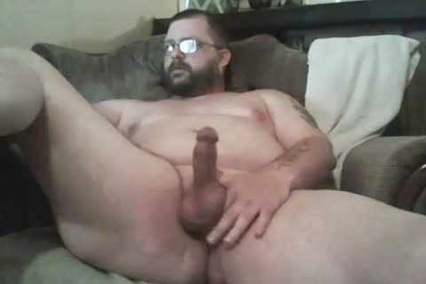 bulky Lad Jacking Off