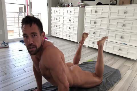 Muscle Hunk Stretching naked
