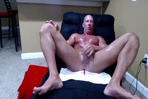 Tanned Muscle dad On web camera