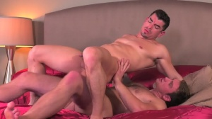 Commuters - Connor Maguire and Jeremy Spreadums anal Hook up