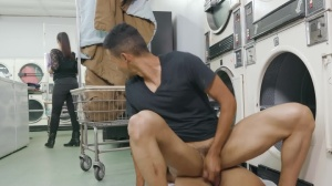 males In Public 35: Fluff N Fold - unprotected Hook up