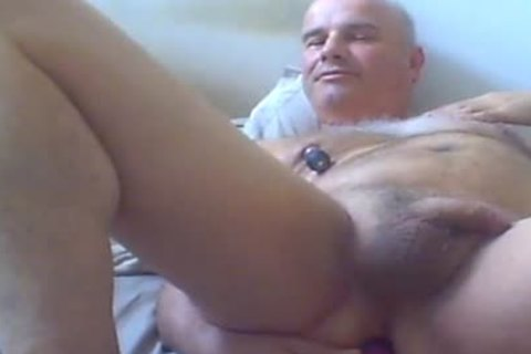 old dude Love Ventouse On teats And sextoy In butt