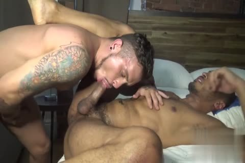 homo Pulls Strangers penis throughout A aperture