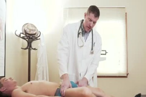 petite Size boy's pretty gap hammered By giant wang Doctor During Exam