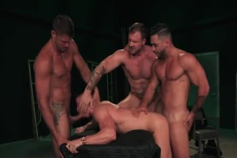 Skyy Dominated By Three Muscle Cops