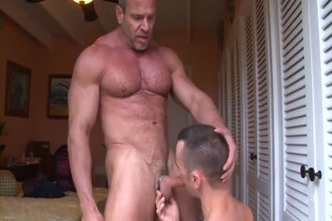 Muscle daddy Trains A Pigboy - bang And make water Up His bawdy cleft