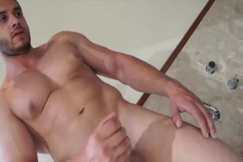 Muscle Jack In The wild Tub With James Nowak
