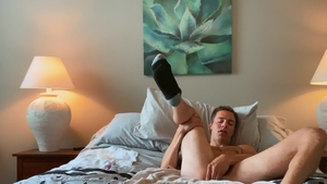 SeanCody.com - Brown hair Bentley Bangz fingering