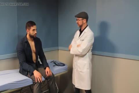 homo Sex : Davin In Hypnotist Therapy (worship Muscle)