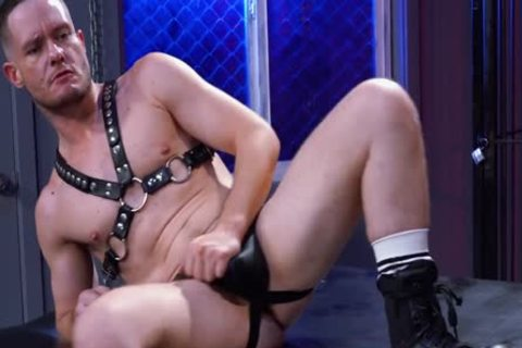 'Drew Dixon Fisted & Gaped - ClubInfernoDungeon'