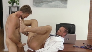 IconMale - Michael Roman with Wesley Woods anal in office