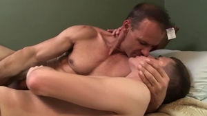 Icon Male - Rodney Steele pounded by Kory Houston