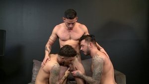 MenOver30 - Cris Knight with Cesar Rossi threesome