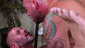 MenOver30.com: Big penis Sean Duran throat fuck