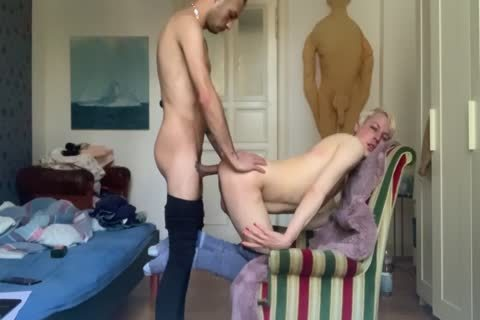 SISSY IS ALWAYS HUNGRY FOR bare dick