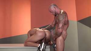 Raging Stallion: Jock Sean Duran rimming