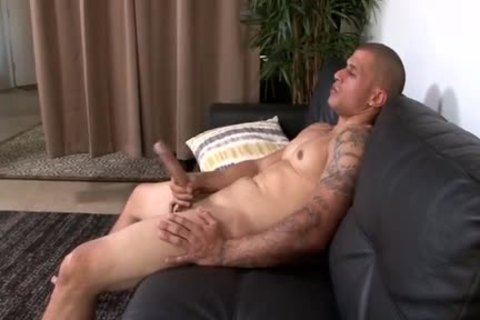 Muscle Latino With gigantic rod